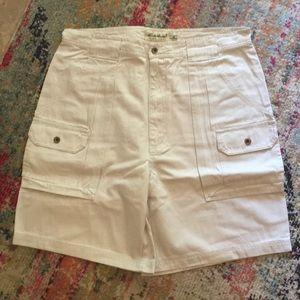Eddie Bauer cargo shorts color sand 36 tall NWT